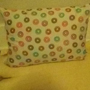Donut pillow case with the pillow